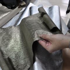 設計系最愛的金屬感皮革